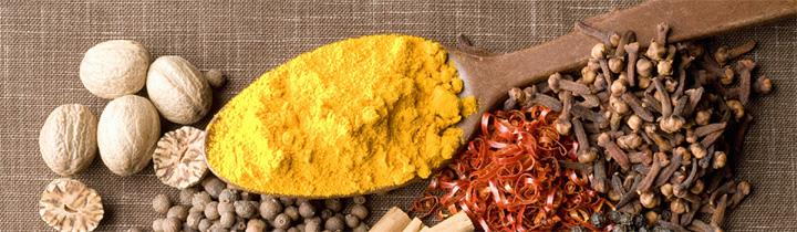 基本のスパイス10点セットを通常価格の20%オフで。レシピ人気ランキングトップのチキンカレーなど、10種類のレシピを作れます。